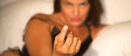 Xxx Girls flashing tits on cam